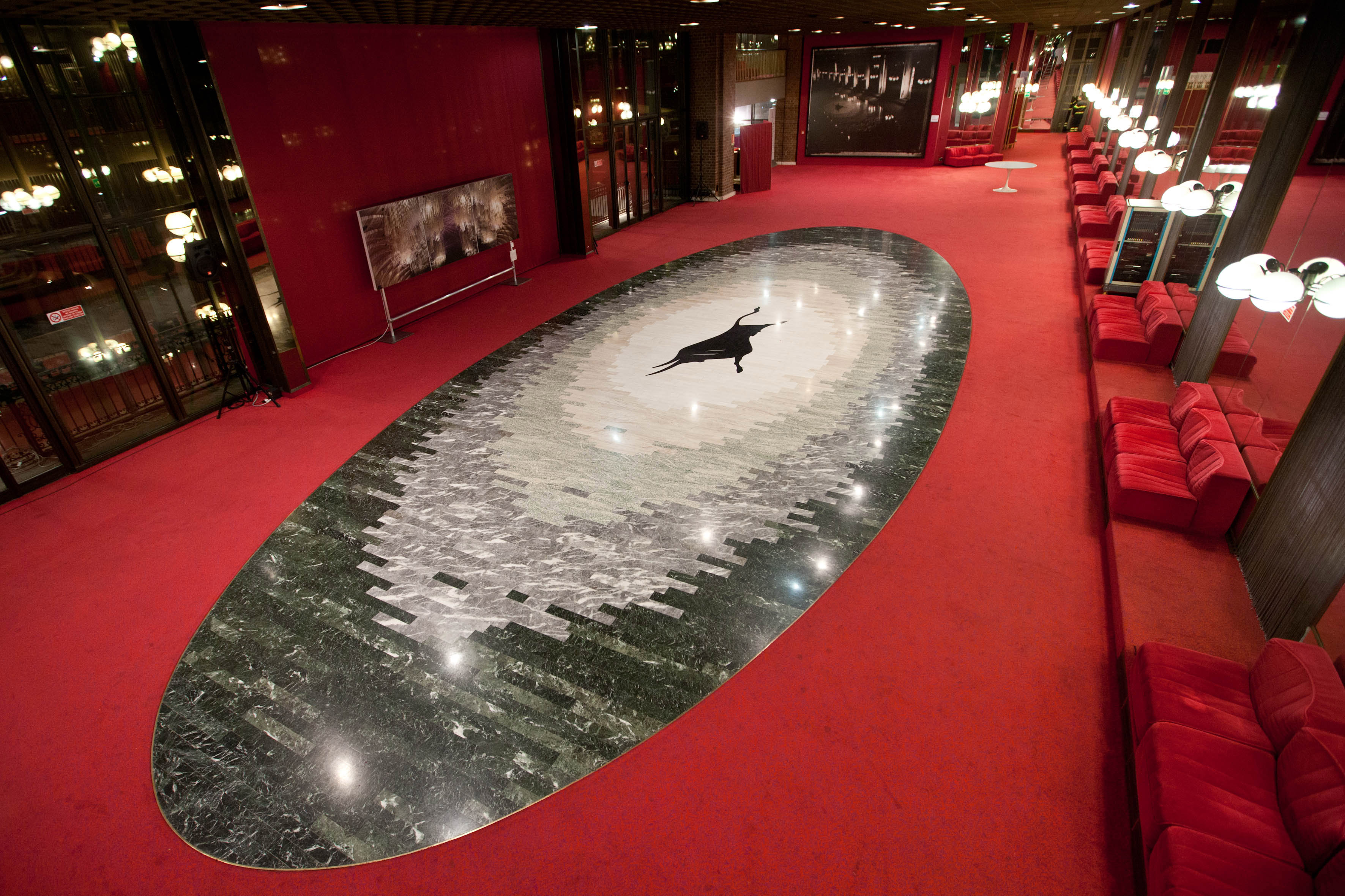 The Foyer del Toro, the largest hall of the Theatre's foyer with, in the centre, a marble mosaic
